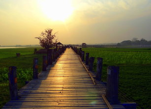 U-Bein Bridge at sunset, Learn English Online