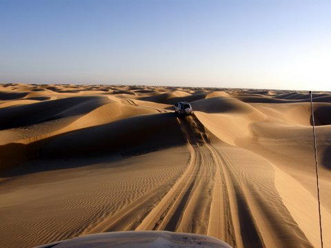 Driving in the sand, Oman